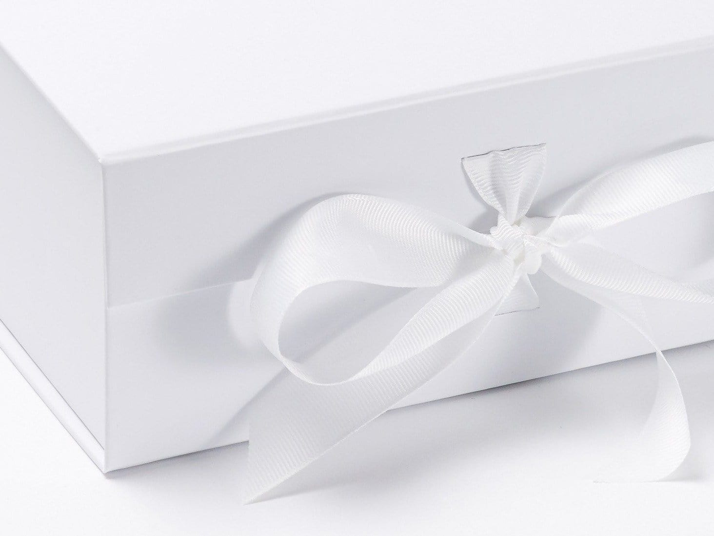 White A4 Deep Gift Boxes With Fixed Grosgrain Ribbon