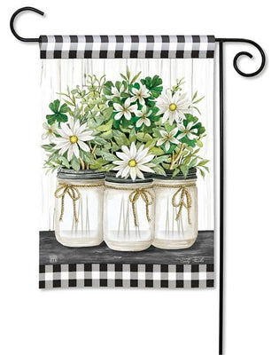 Gingham Farmhouse Daisies Garden Flag