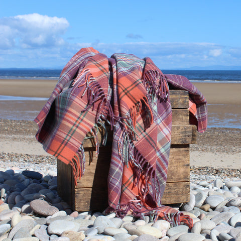 1730 Tartan Throw