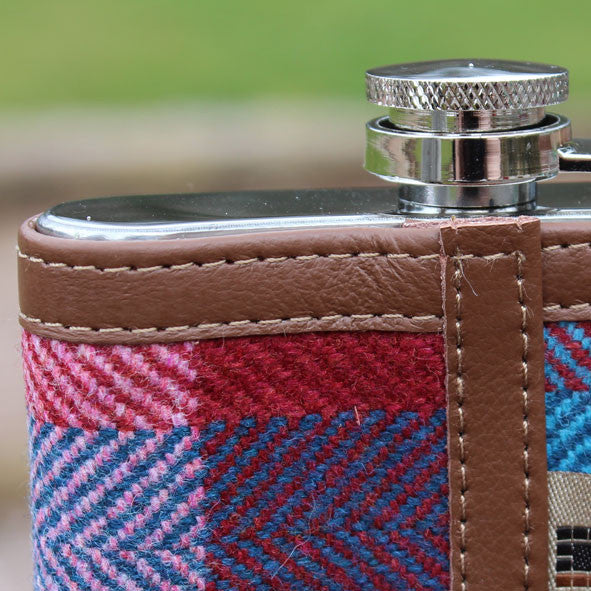 Hip flask detail