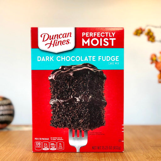 Duncan Hines - Dark Chocolate Fudge Backmischung aus Amerika