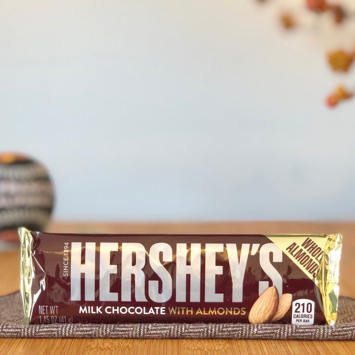 Hershey's Milk Chocolate with Almonds aus Amerika