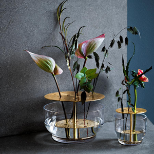 Vase Ikebana — Designed by James Hayon
