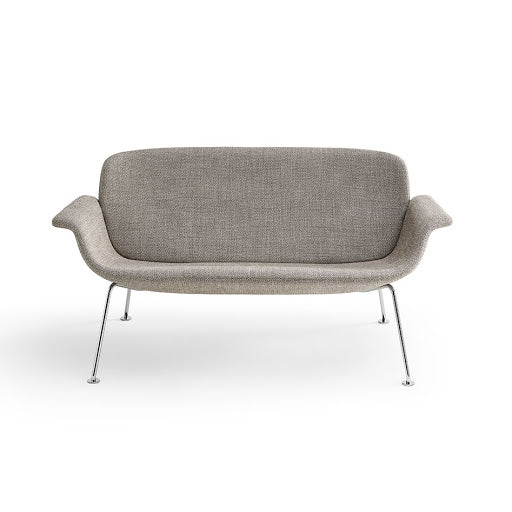 Knoll KN05 Sofa — Designed by Piero Lissoni