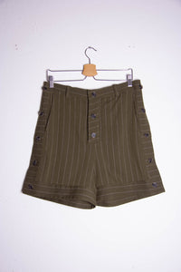 Button Bermudas