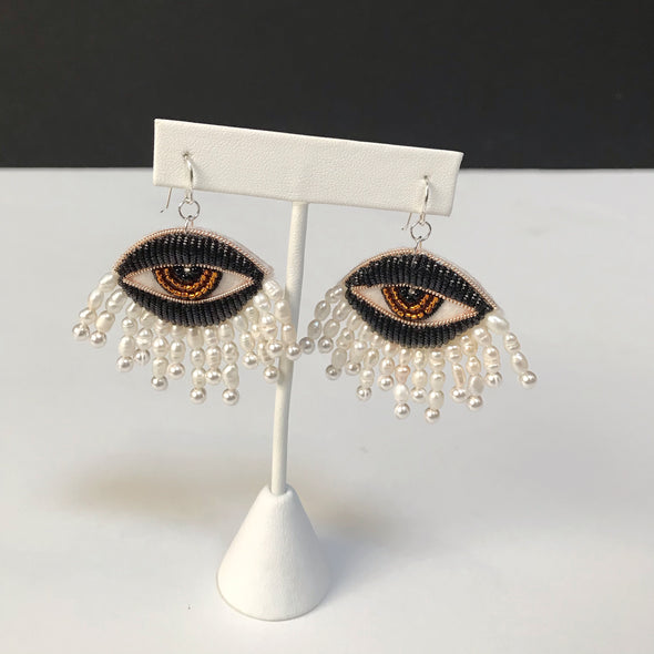 Carly Owens Eyes of Venus earrings in Noir with white rice pearls