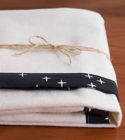 Black and Cream Star Flannel Blanket