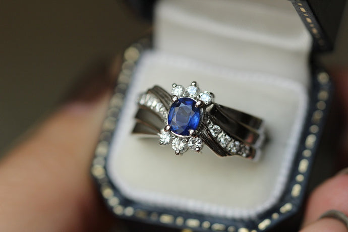 What Are Sapphires and Why Are They Magical in Custom Jewelry?