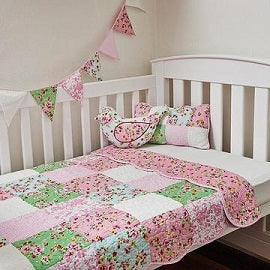Country Garden Cot Quilt