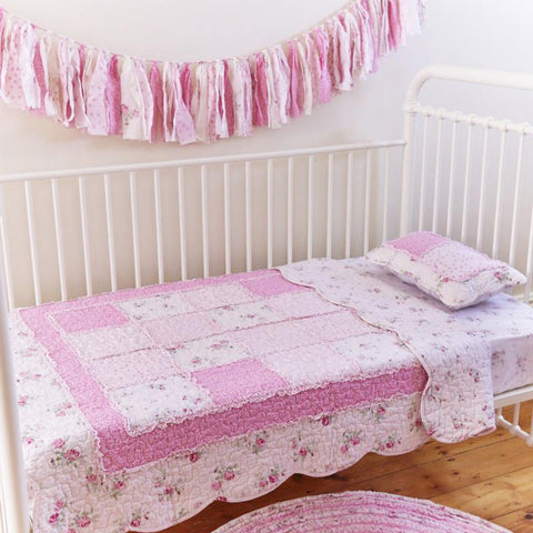 English Rose Cot Quilt