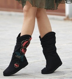 Hand-embroidered flat boots Fashion shoes  Melaleuca soles shoes