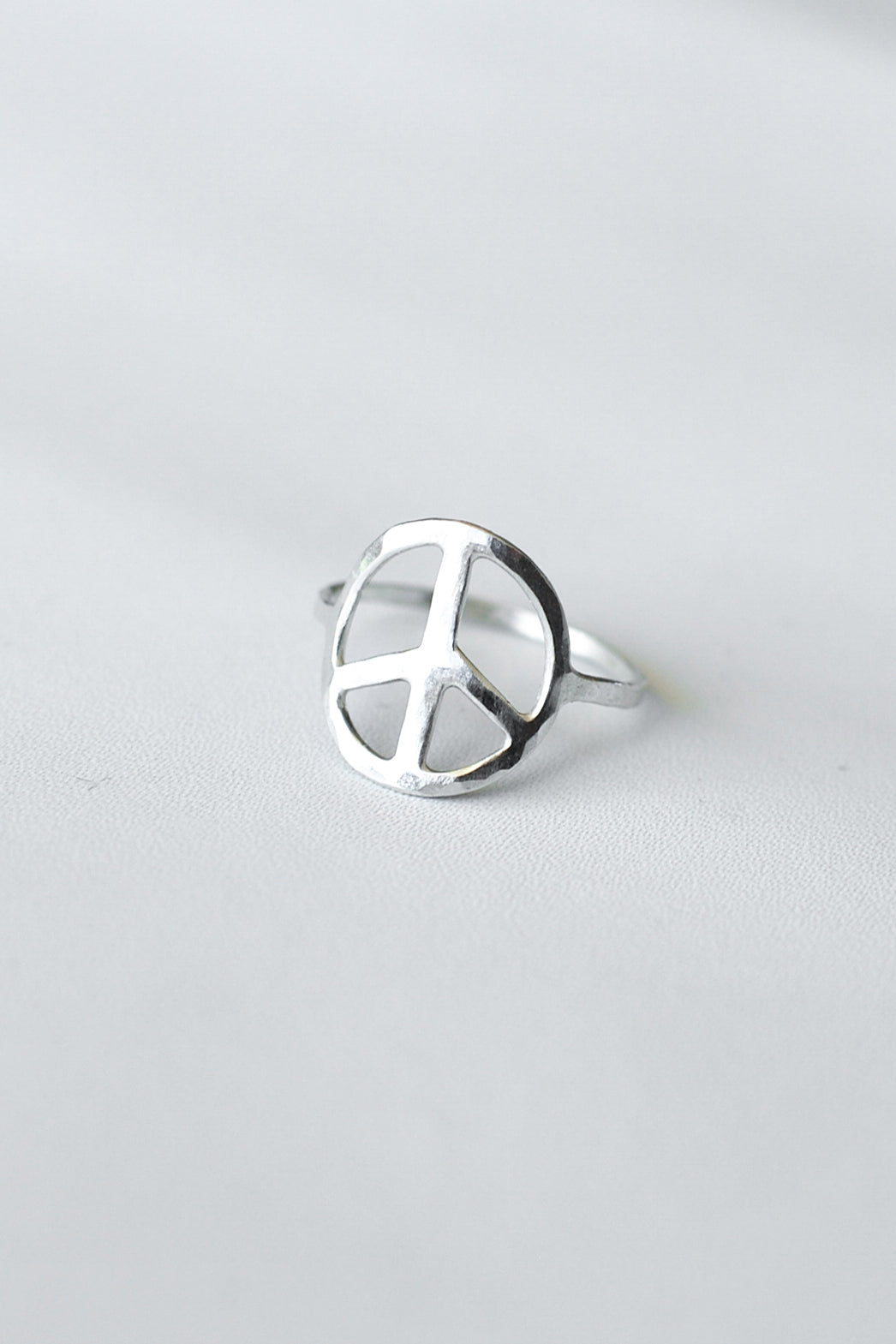 Peace on Earth – Silver Ring