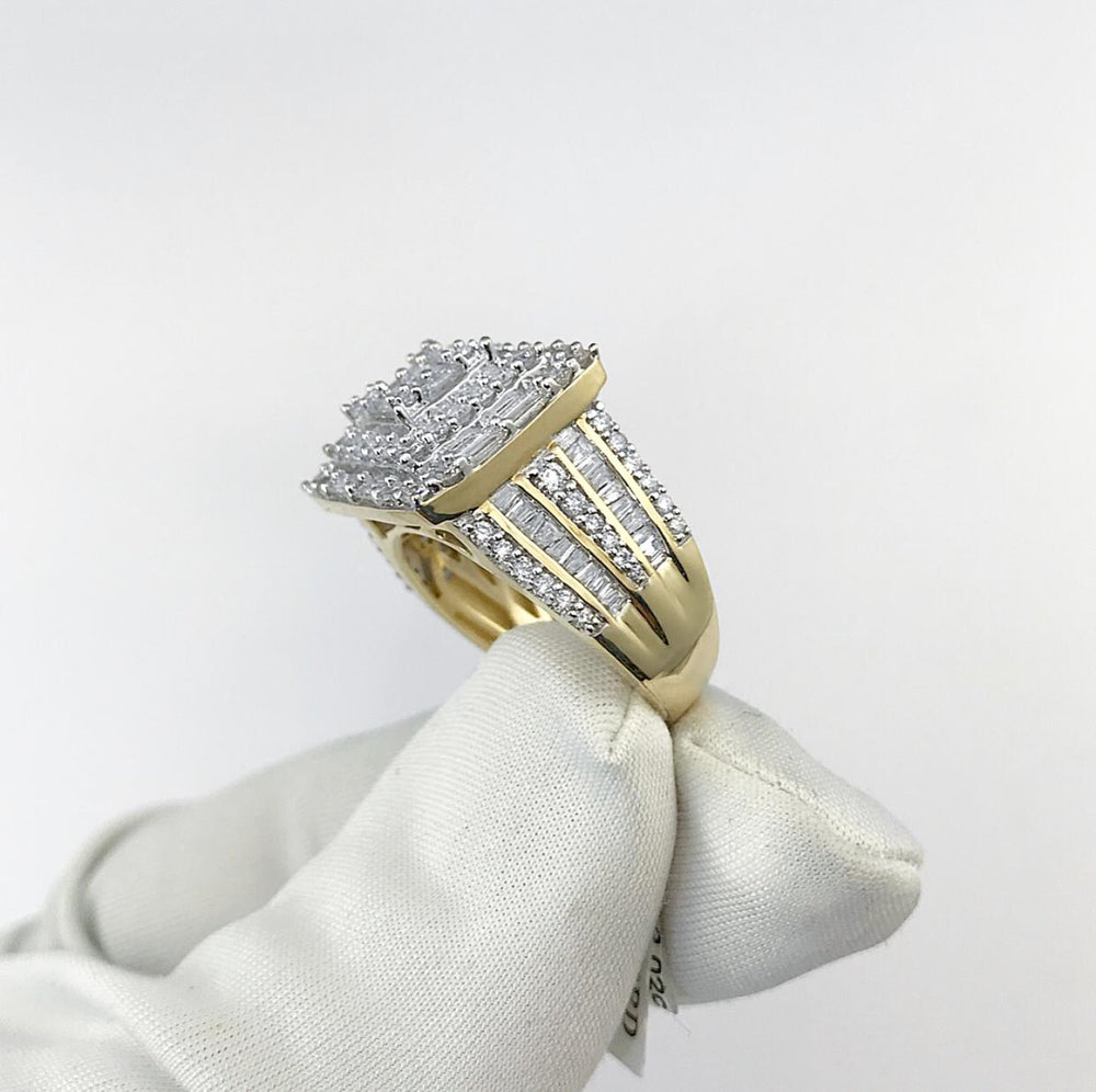 14ct Yellow Gold Square Top Diamond Ring