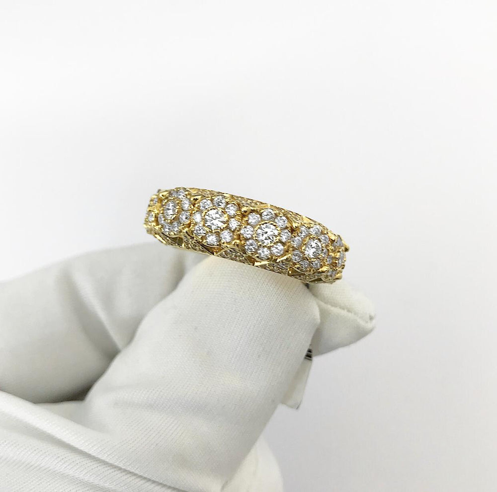 14ct Pyramid Cluster Style Diamond Ring