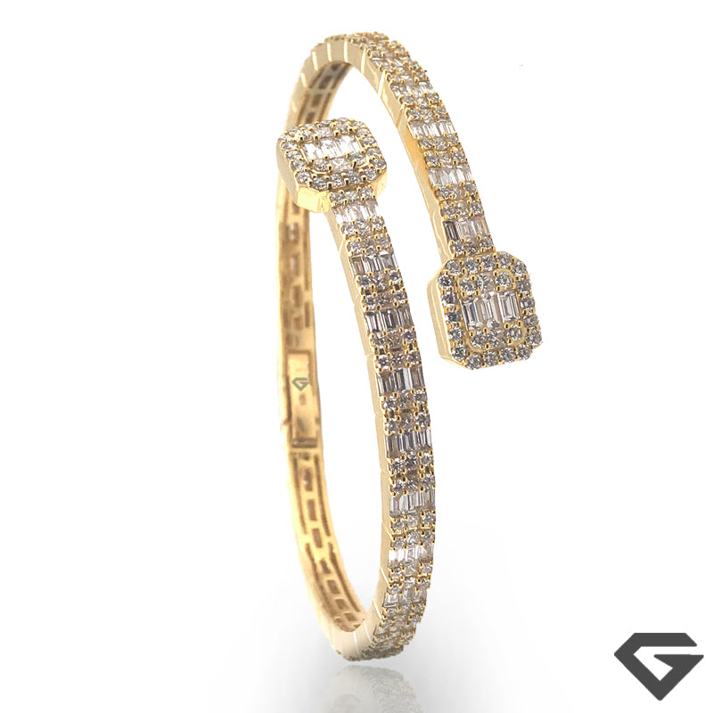 """One"" 9ct Baguette Diamond Crossover Bangle set with 8.00ct of F VVS"