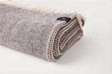 Carregar imagem no visualizador de galeria, Herringbone Throw & Blanket - Lambswool