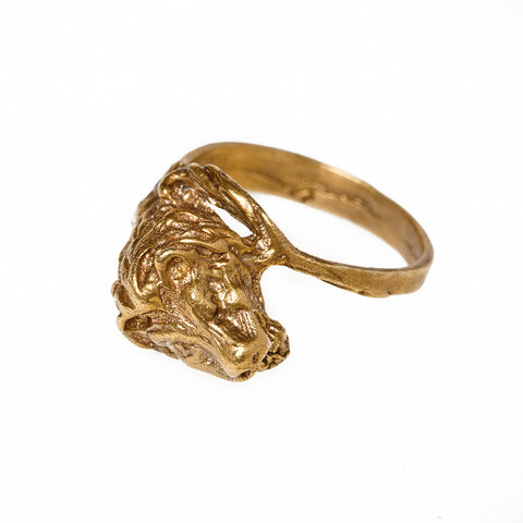 Lion with Tail Ring
