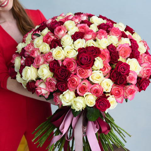 Alluring Mixed Roses Bouquet