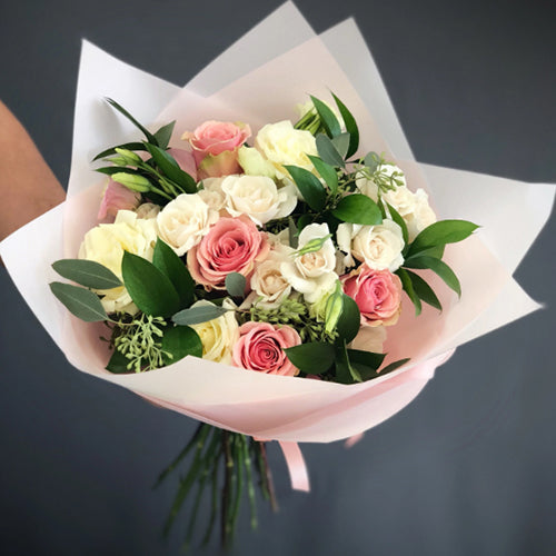Stylish Bouquet of White and Pink Roses