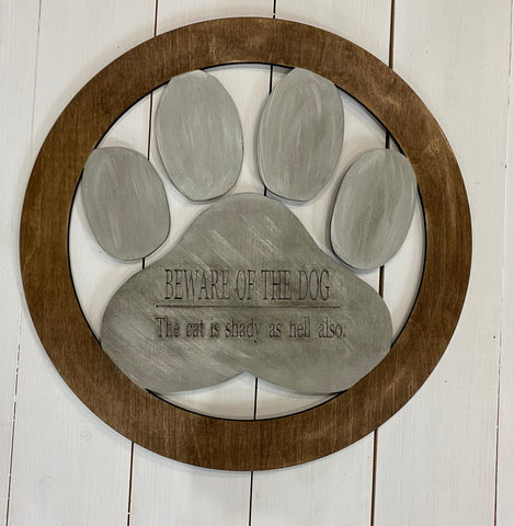 "Paw print door wreath ""Beware of dog"""