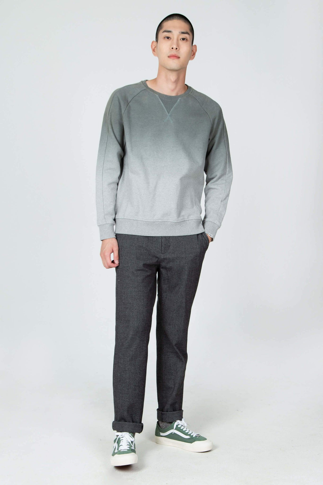 men's organic cotton ombre crew neck sweatshirt - basalt
