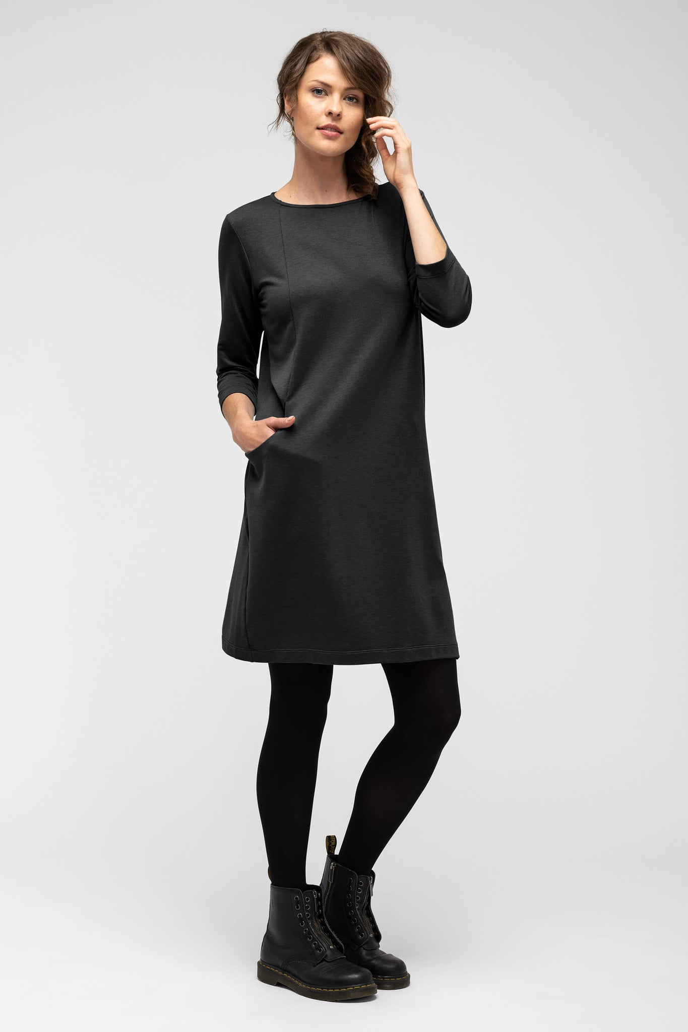 women's a-line elementerry boatneck dress - caviar