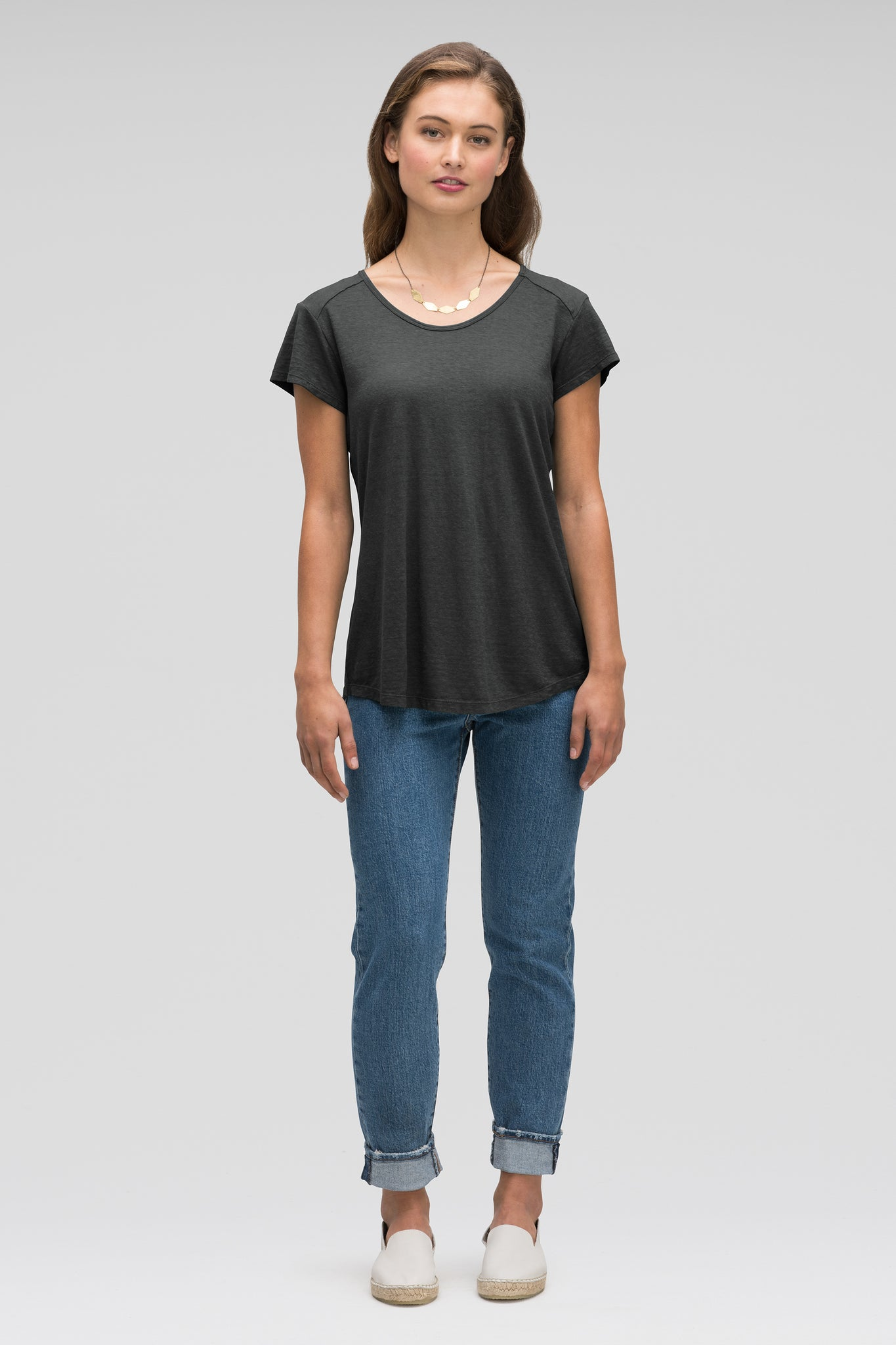 women's kanab hemp blend scoop neck tee - caviar heather