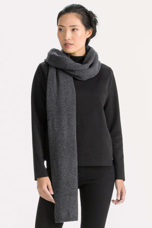 Unisex Courchevel oversized knit scarf   caviar heather