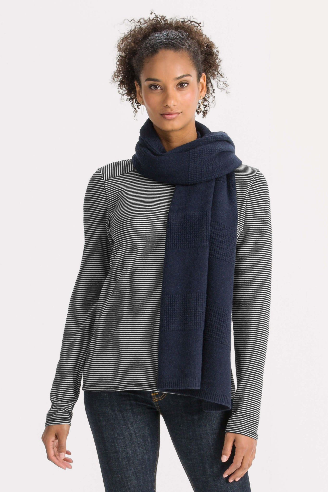 Unisex Courchevel oversized knit scarf - navy heather