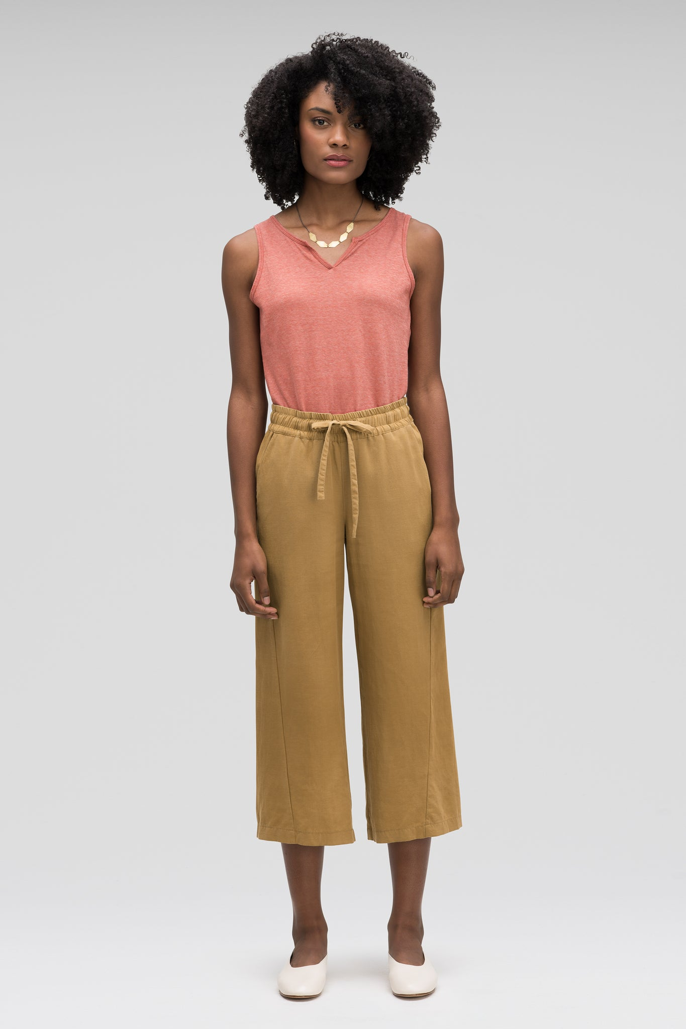 women's flaxible wide leg crop pant - nutmeg