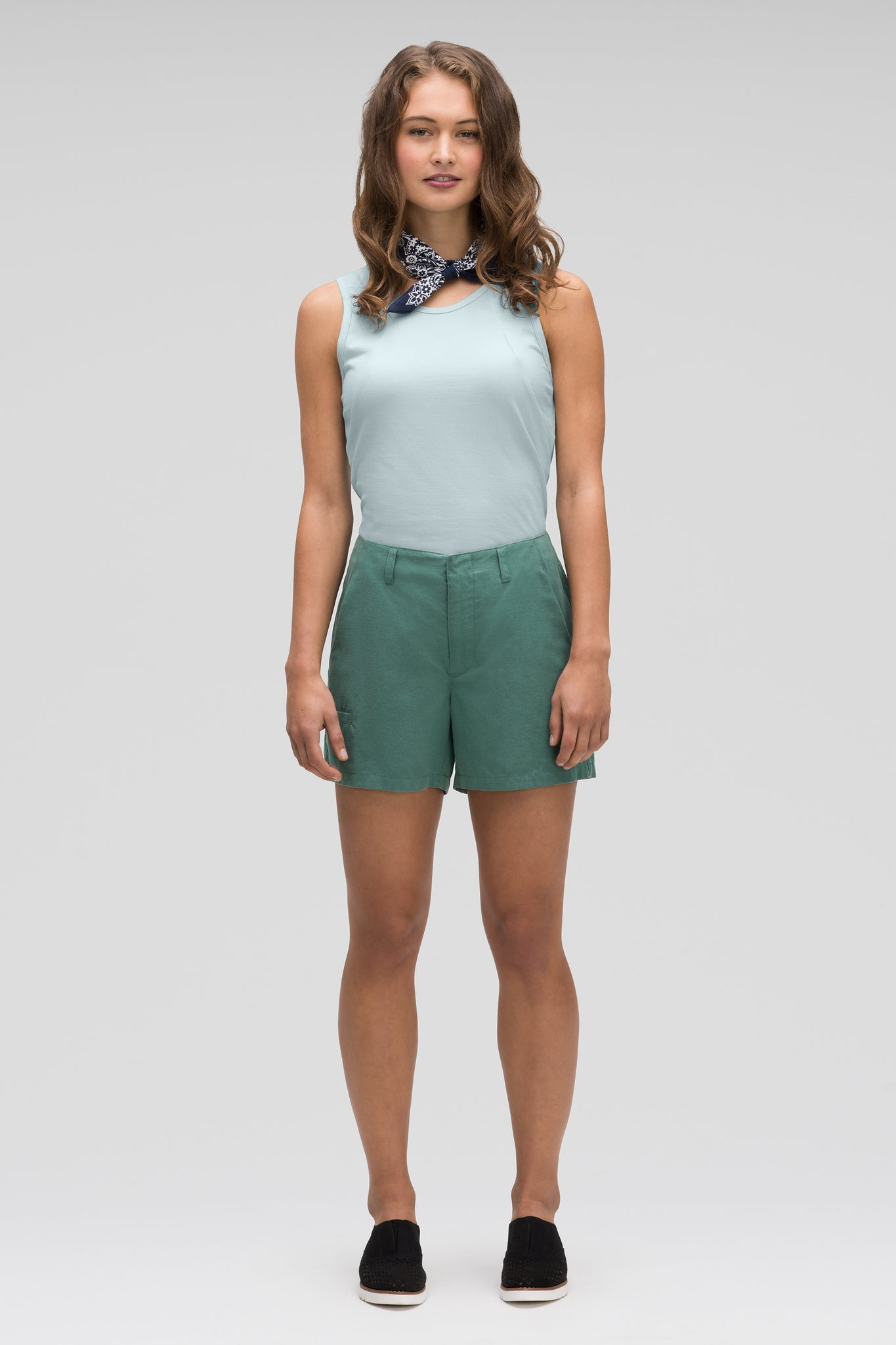 women's flaxible linen blend short - mallard