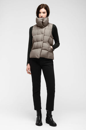 women's plume down vest   sable