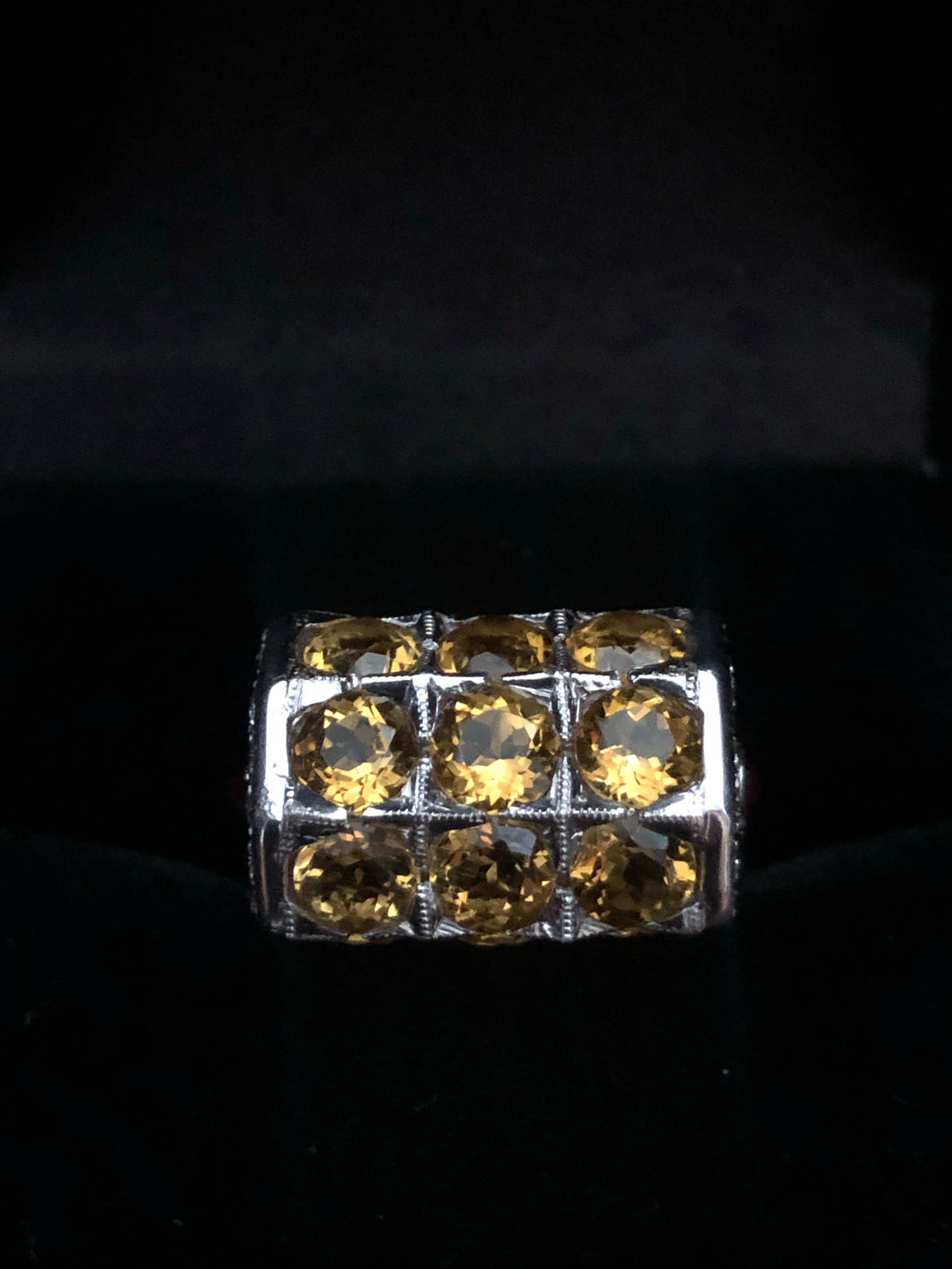Contemporary 18ct white golden Citrine Ring