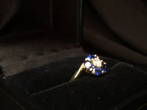 Contemporary 18ct Yellow Gold Sapphire Ring