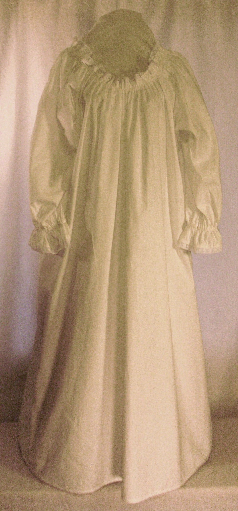 Milady's Chemise w/ lace for Women - White Pavilion Costumers