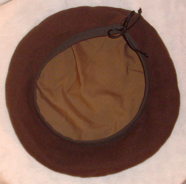Scottish beret by White Pavilion, bottom view. Ideal Celtic headgear for Scottish and Irish wear; also for medieval and renaissance costumes and Roger's Rangers reenactment.