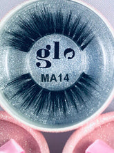 Load image into Gallery viewer, Glo Pink Premuim Lashes = 28 styles