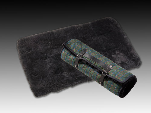 Dog Bed Chilly - Horsedream Importers - best sheepskin saddle pads