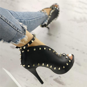 Blisshoes Rivet Embellished Hollow Out Buckle High Heeled Sandals
