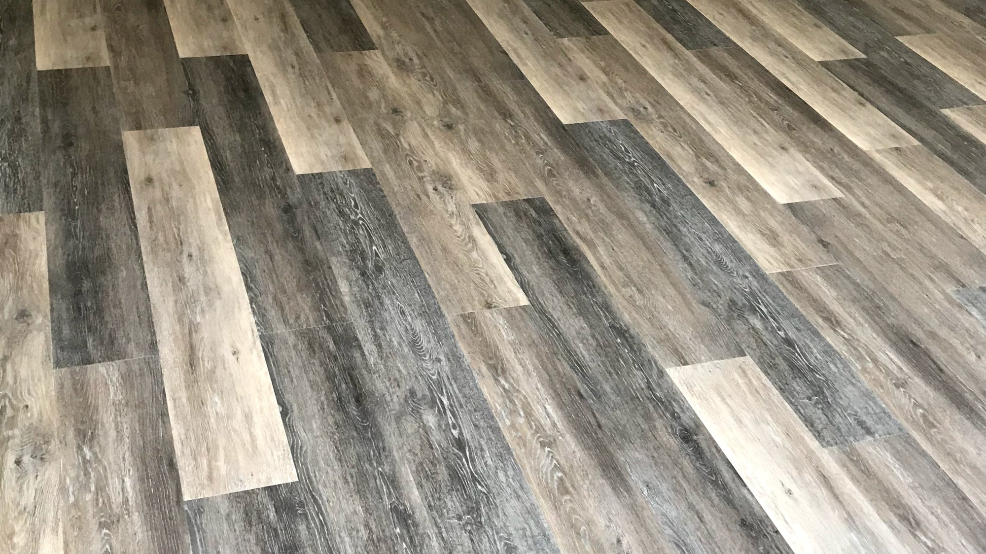 Magna Hardwood - Luxury Vinyl Planks