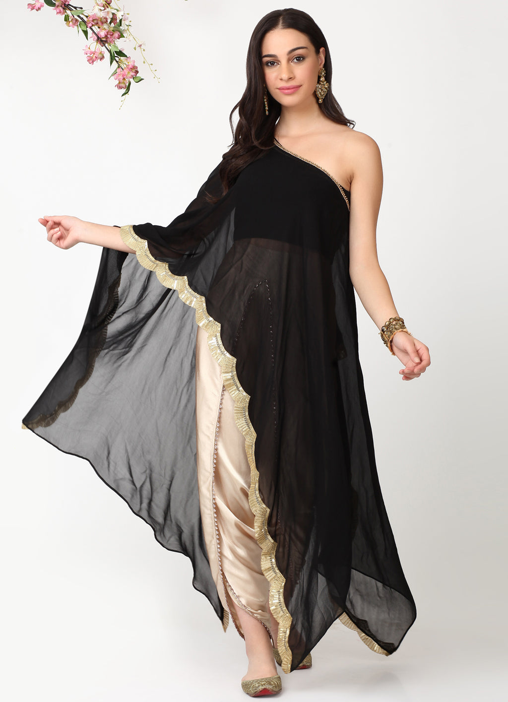 Black Scallop Cape