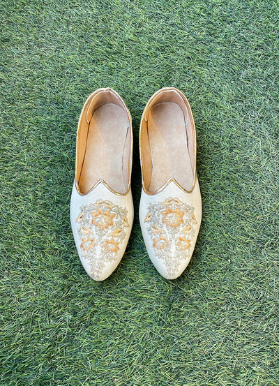 Silver and gold floral embroidered juttis