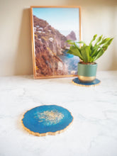 cobalt geode resin placemats