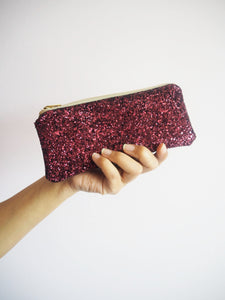 sunglasses case in plum glitter