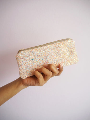 glitter sunglasses case in pink iridescent