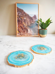 sparkly blue geode coasters