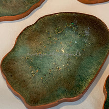 Load image into Gallery viewer, Geode Resin Coasters - Emerald