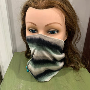 Face Mask/Gaiter: Fuzzy Green Stripe