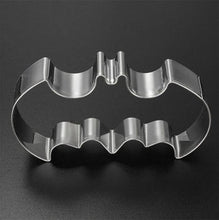 Load image into Gallery viewer, Halloween Batman Bat Cookie Tool Cutter Biscuit Press Icing Set Stamp Mold Stainless Steel Pastry Tools Kitchen Accessories