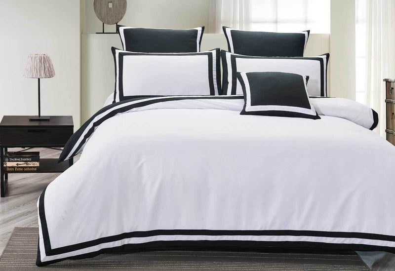 Queen Size Charcoal and White Square Pattern Quilt Cover Set (3PCS)